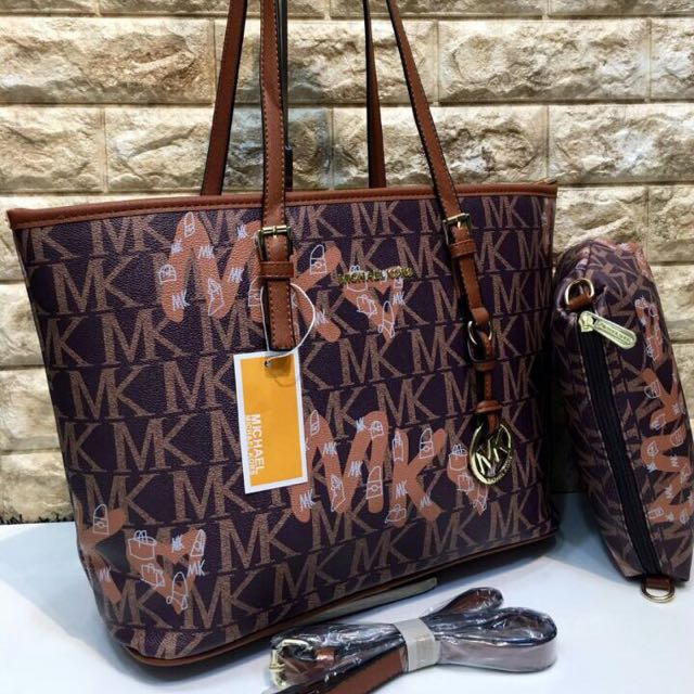 Michael Kors Bag in four colours/ see all photos plz