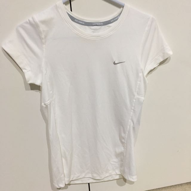 Nike women's white sport top- NEW WITH TAGS**