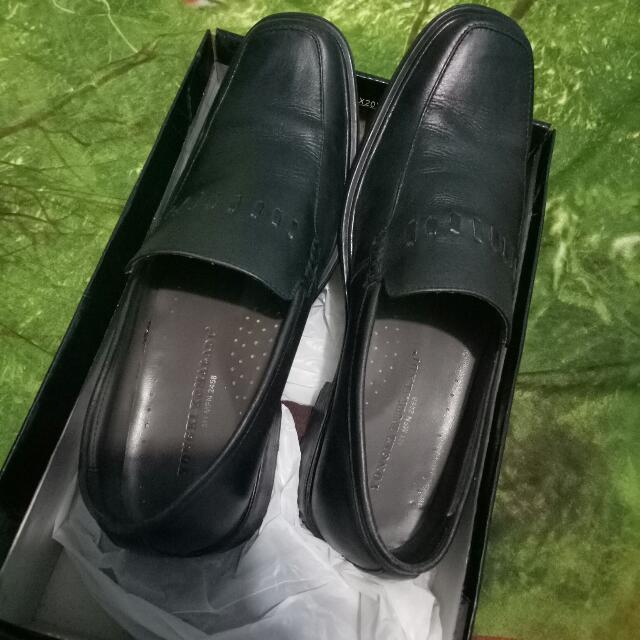 Fast Sale! Pantofel Yongki Komaladi