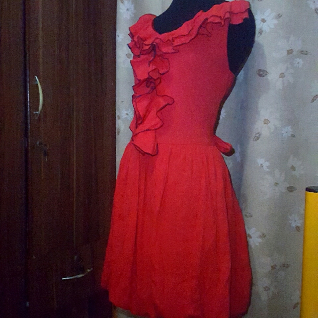 👗preloved Red Ruffled Dress
