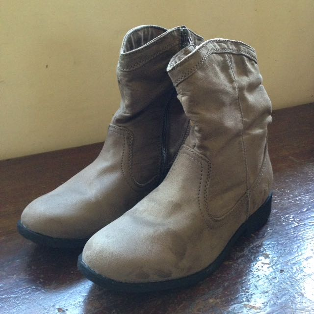 Rusty Lopez Suede Boots