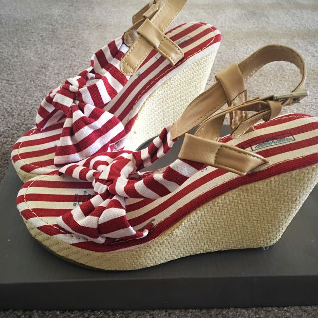 Size 38 Summer Wedges