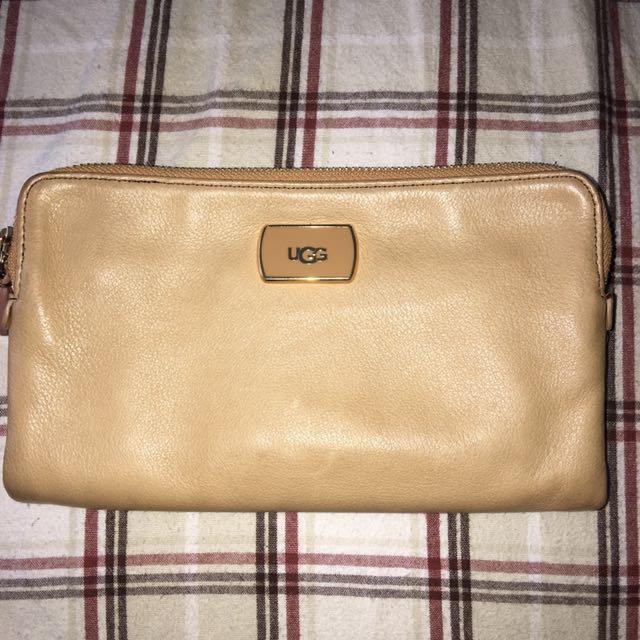 UGG wallet
