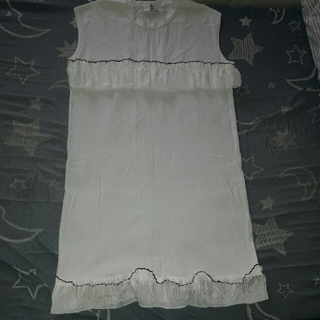 White No Sleeve Wd Lace Ruffles