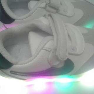 Sepatu Light Beli Di Bangkok