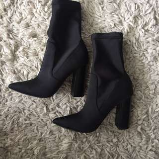 Spurr - Black Pointed Sock Boots