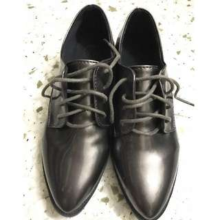 oxford style shoes for her