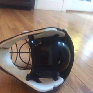 Large goalie helmet