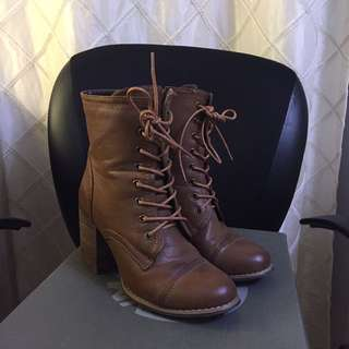 Brown fall boots, size 7 barely worn!