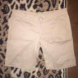 Hotpants celana pendek cream