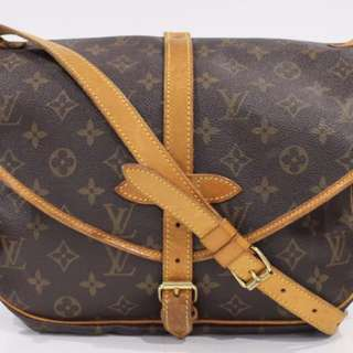 Selling a used authentic Louis Vuitton Saumur 30.  Made in France.