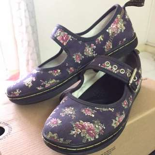 Dr. Martens Carnaby UK6