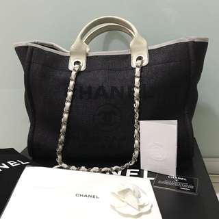 Chanel deauville large