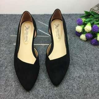 黑色絨面尖頭平底娃娃鞋24cm