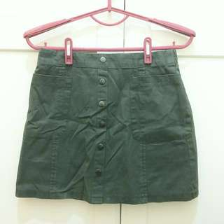 🚚 軍綠AA排扣裙 內附安全褲