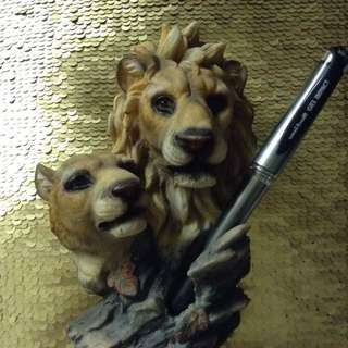 Vintage Lion Pen Holder