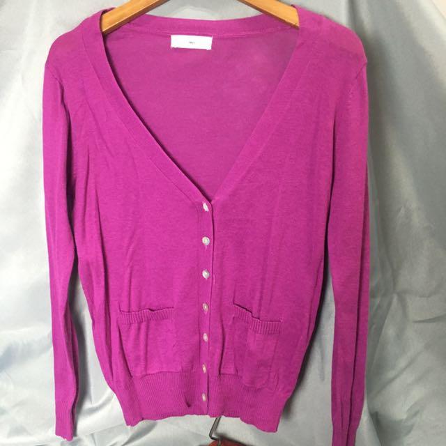 秋天紫紅針織外套