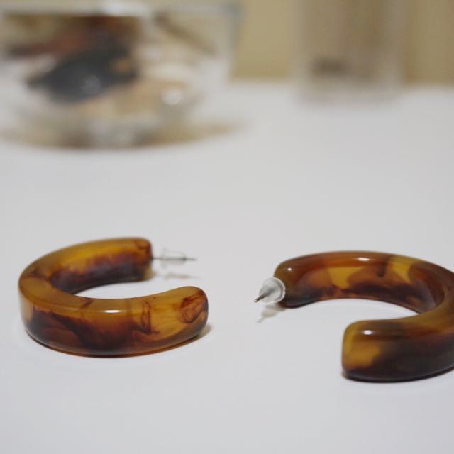 韓國琥珀半月形耳環