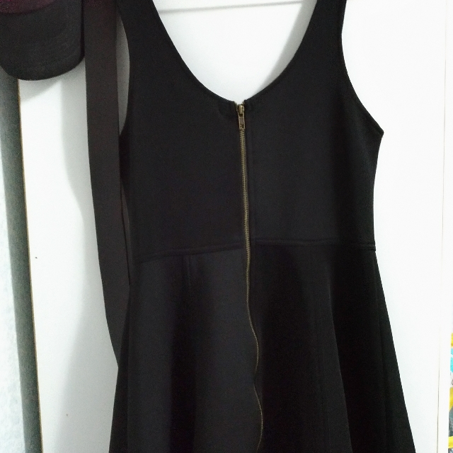 黑色太空棉拉鍊洋裝 #交換最划算