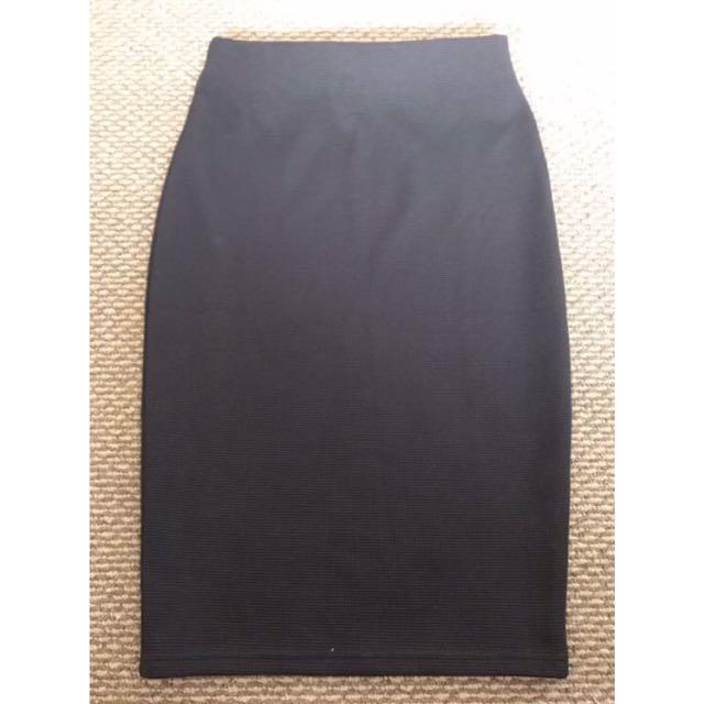 All black Midi Skirt