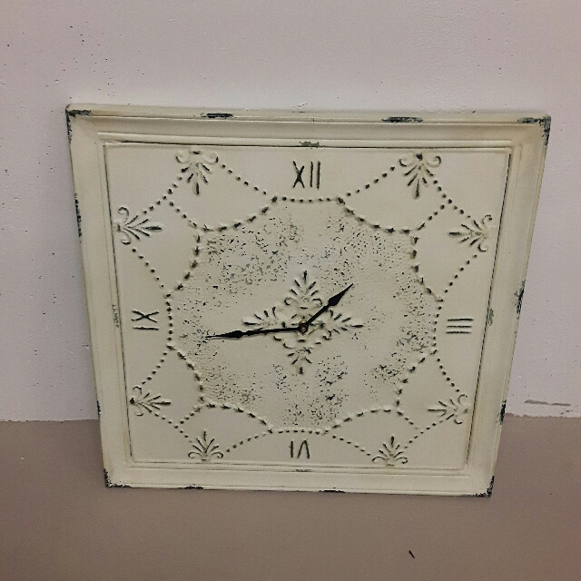 Beautiful Wall Clock - Can Be Used For Indoor Or Outdoor!