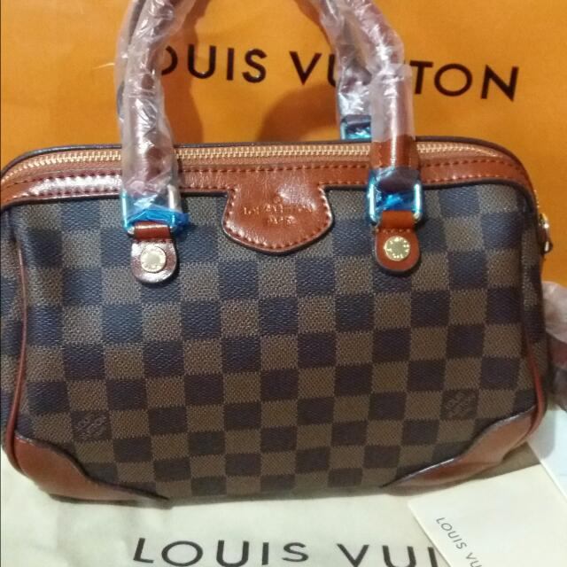 Lv sling bag small  bnew (replica)