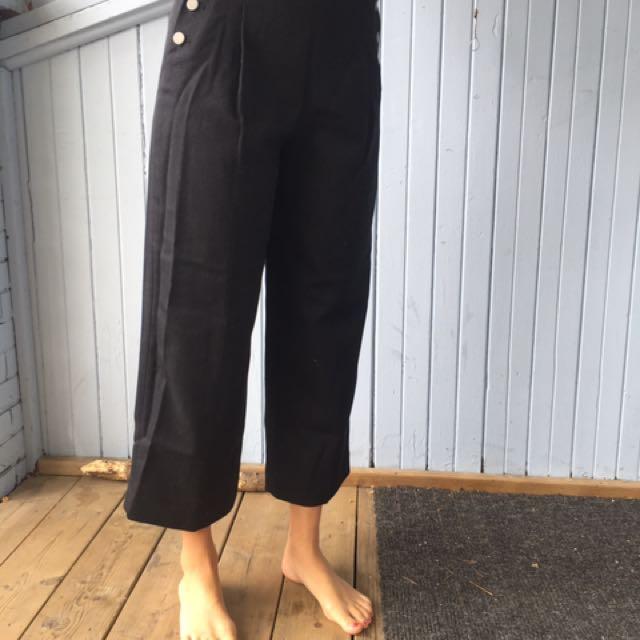 Club Monaco Button-Waist Wool Brush Culottes