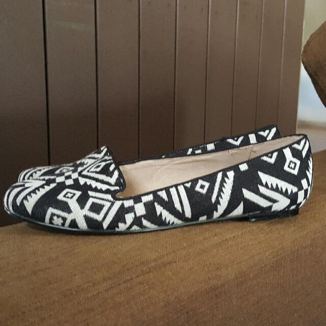 Diana Ferrari NEW Leather Lined Flats Size 9 40
