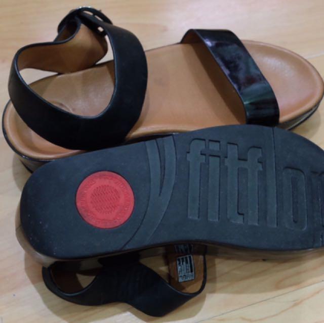 7dde53ee3d54 FitFlop Women s Bon Dress Sandal (Black)
