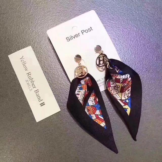 正韓H緞帶耳環(純銀)