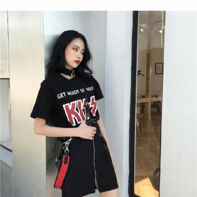 Instocks Choker Kiss Graphic Band Shirt Top, Women's Fashion