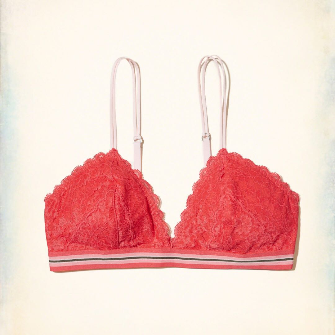 09a3c98efab82 Last Pc! NWT Gilly Hicks Lace Triangle Bralette with Removable Pads ...