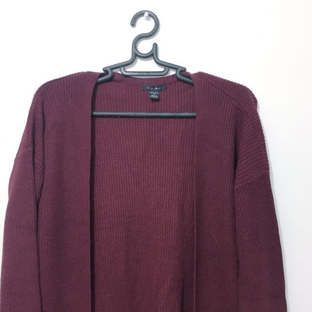 Maroon knitted long cardigan