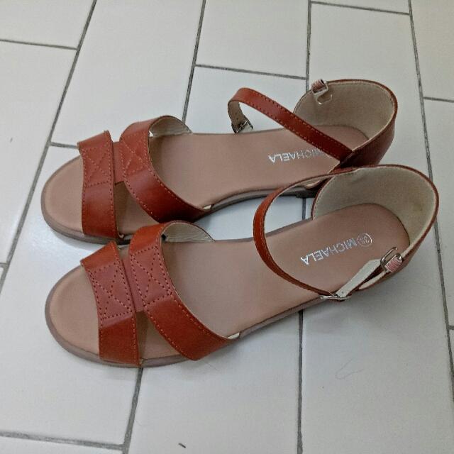 MICHAELA Flat Sandals