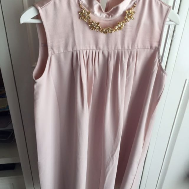 Minimal Dress Gold