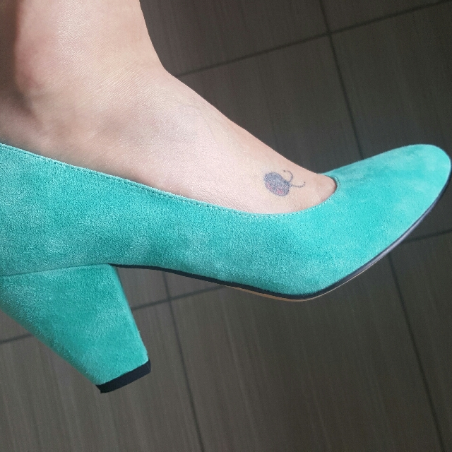 Mollini AS NEW Suede Heels Size 40