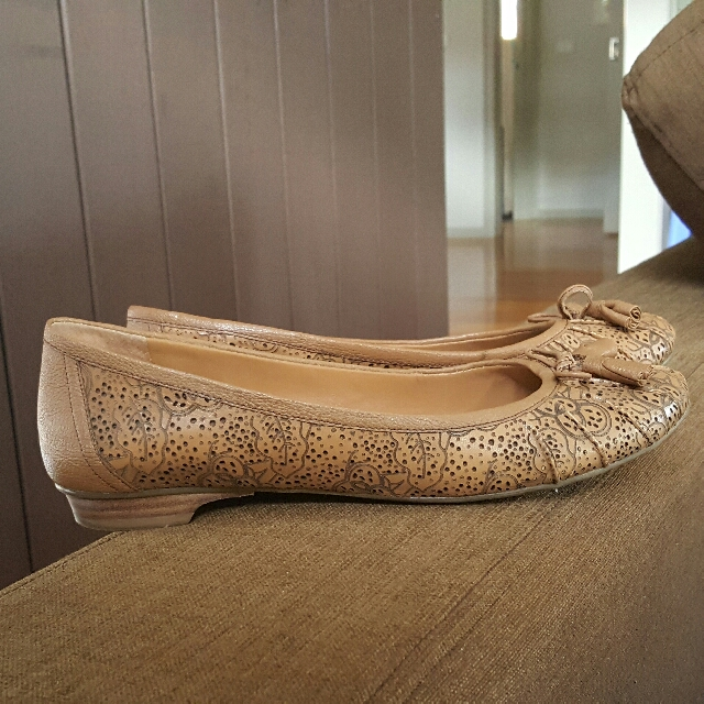 NINE WEST almost New Leather Flats Size 9