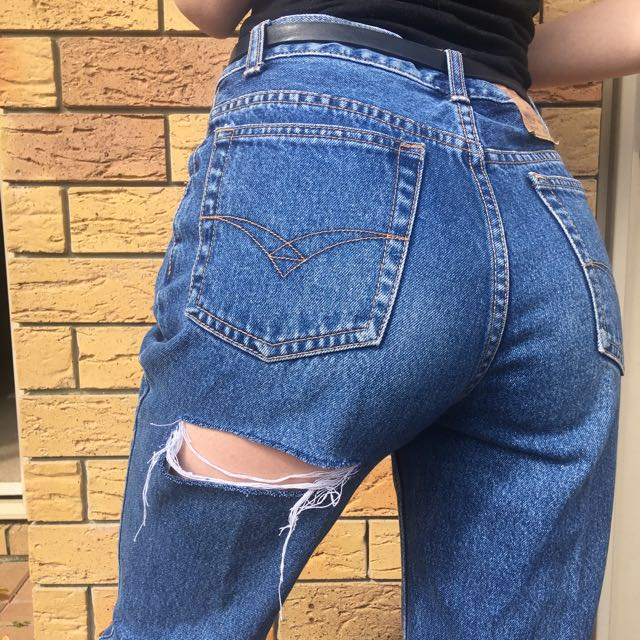 Ripped MOM jeans ✨ Size 8-10
