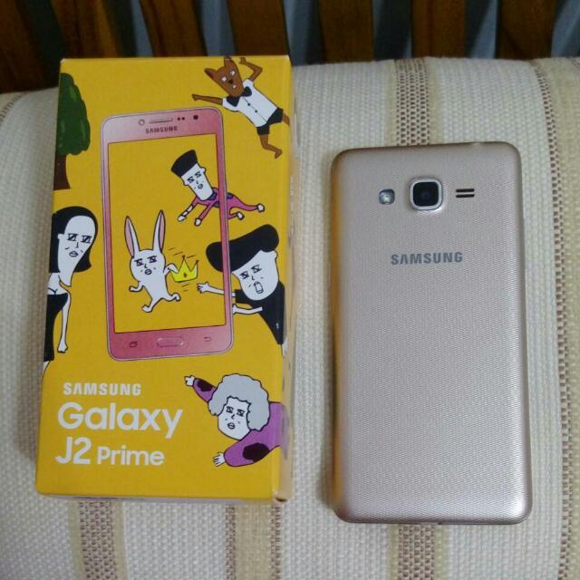 Samsung Galaxy J2  金色 4G 九成新 送保護貼