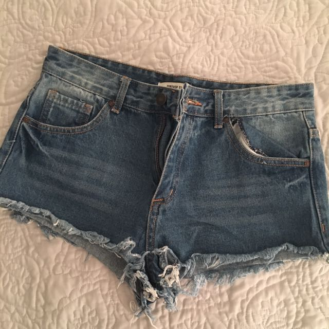 Short shorts f21 size 28