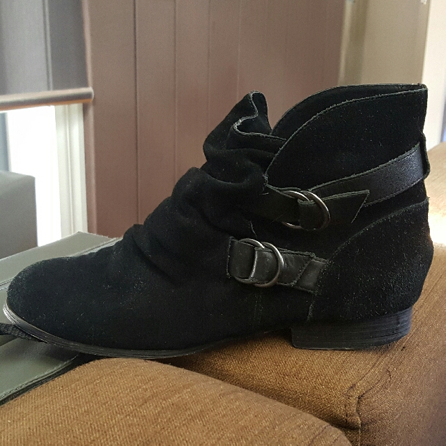 SHUBAR EUC Suede Leather Boots Size 40