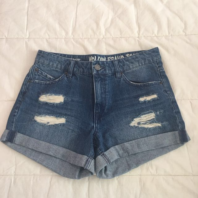 VOLCOM Midi Denim Shorts
