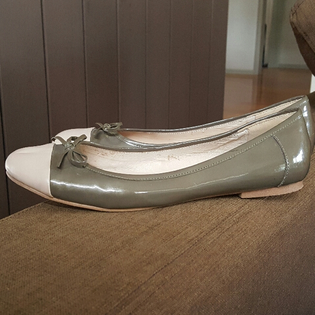 Wittner EUC Leather Flats Size 40 But Small
