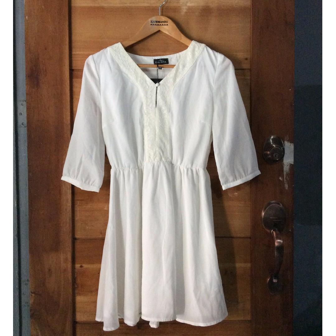6550ce144144 Zalora Fit   Flare White Dress