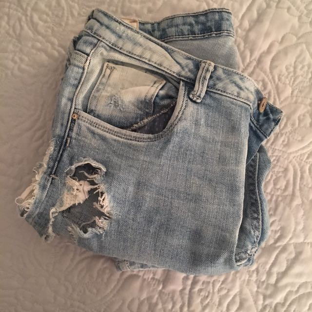 Zara light wash ripped jean