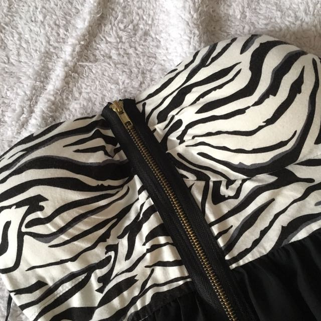 zebra patterned high-low strapless dress