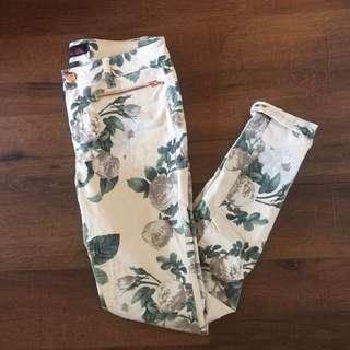 Material girl floral denim jeans size 5