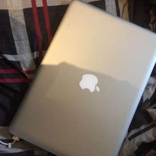 MACBOOK IN PERF CONDITION