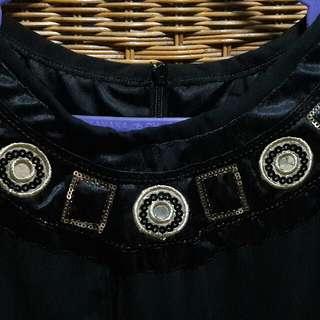 Dress Hitam Gold
