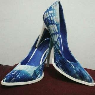 House Of Avenues Blue Printed Heels